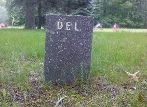 DEL tombstone